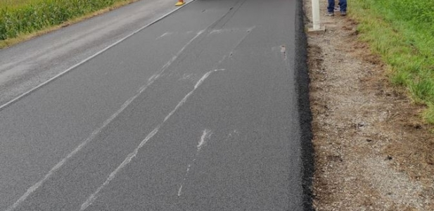 Trail section works of noise-reducing paving in Switzerland, carried out by WEIBEL in Freiburg area